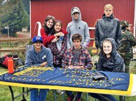 FBLA members volunteering at the Regatta Run.