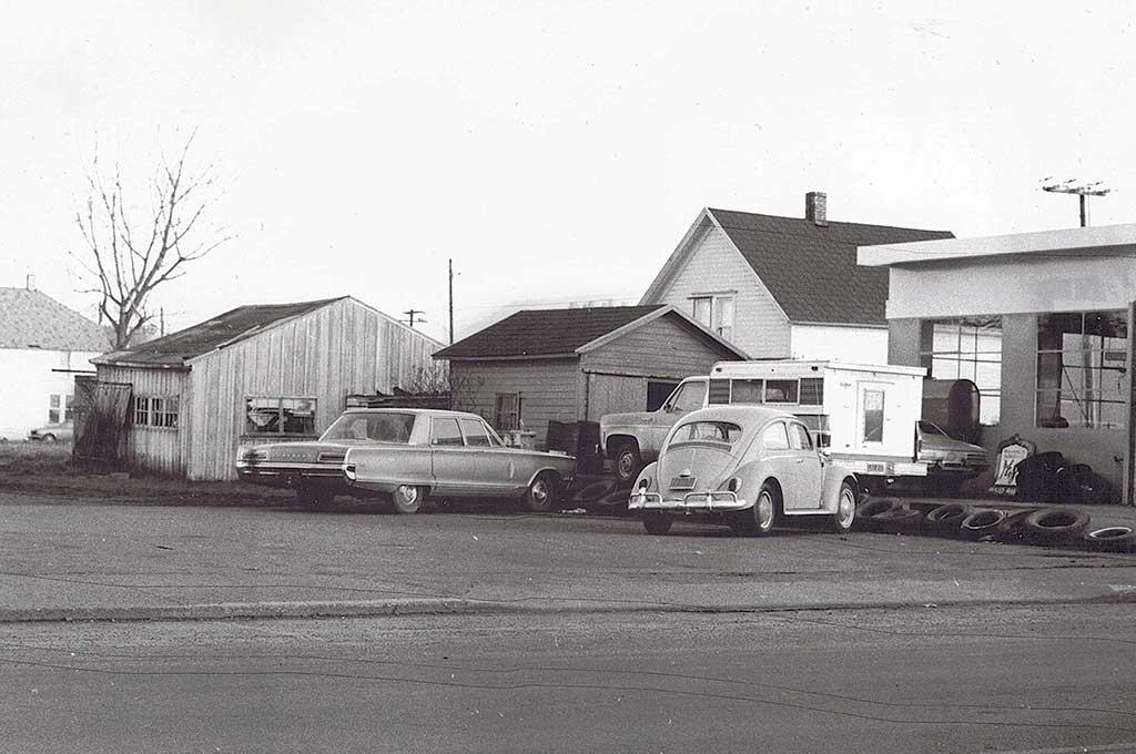 Boones-Nyberg St./Hanegan Mobile. c. 1975.