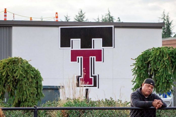 The Tualatin High Logo Statue next to the TuHS football field. Photo by Henry Kaus.
